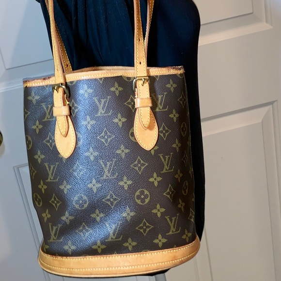 Louis Vuitton Handbags - LOUIS VUITTON BUCKET PM